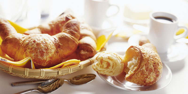 foto-colazione-cornetti